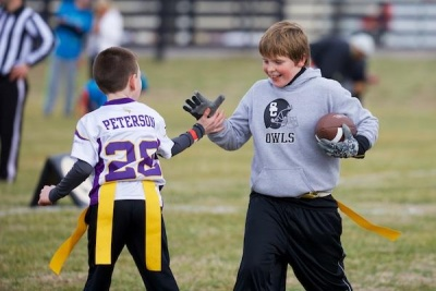 Hundreds participate in Father-Son Bowl