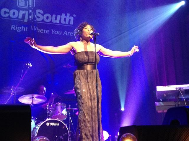 Melinda mesmerizes at sold-out Martin Center benefit