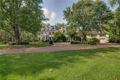 SHOWCASE HOME: Belle Rive Drive home is perfect for entertaining