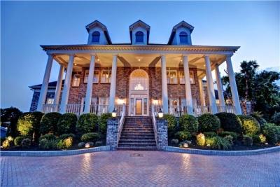 williamson offers plenty of lavish homes fit for celebrities rh brentwoodhomepage com lavish homes southport lavish homes southport