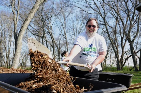 Volunteers tackle Fort Granger on Park Day