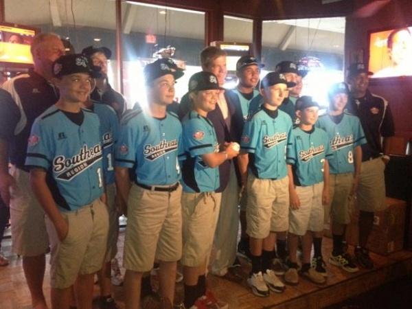 World Series team celebrates season with friends, family