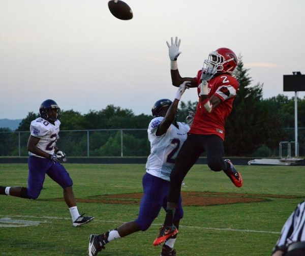 Ravenwood opens season 2-0 with win over Clarksville