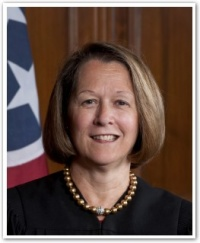 Tennessee Supreme Court Justice to leave post