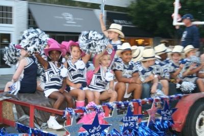 Franklin Cowboys, cheerleaders parade through downtown
