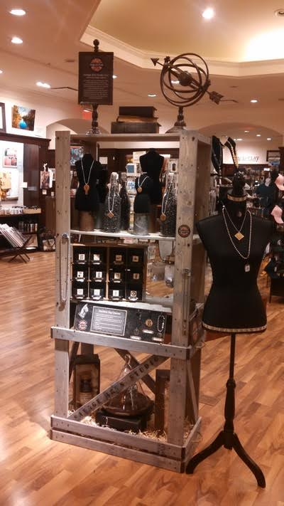 New mall store specializes in the work of local artisans