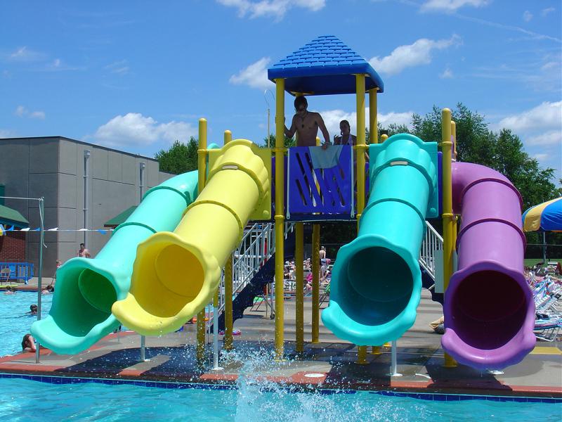 Rec center outdoor pools open indoor pools closed for Outdoor pools open