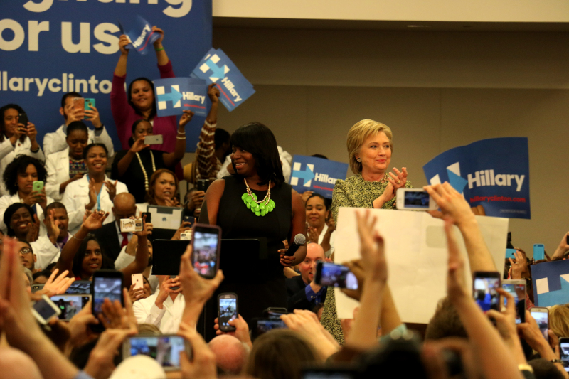 Franklin residents selfie, contribute to Clinton campaign stop