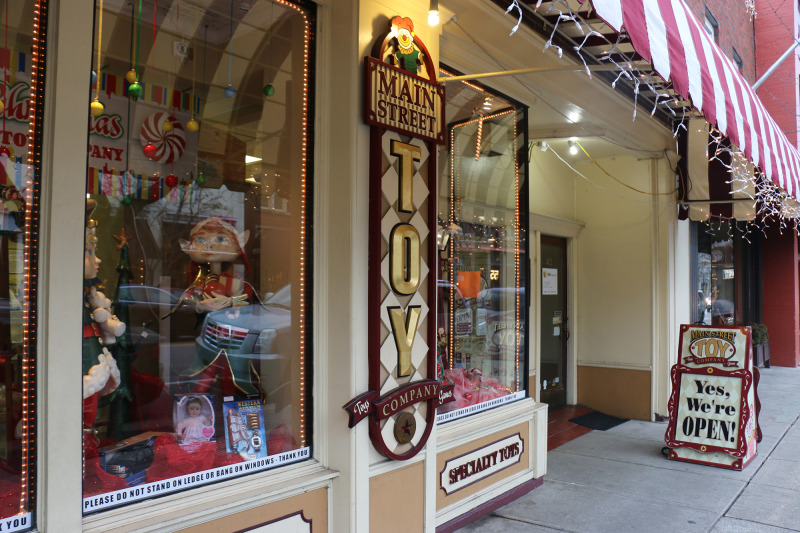 Main Street Toy Shoppe to close doors after rent increase