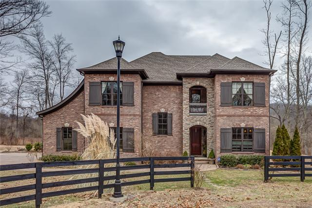 Belle Chase Farms' home offers views, privacy