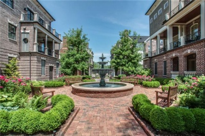 Brownstone offers city life near downtown Franklin