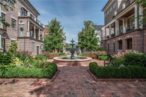 Downtown Franklin Brownstone has it all, and more