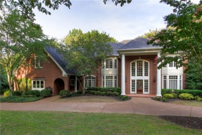 SHOWCASE HOME: Updated Calloway Drive home is a must see